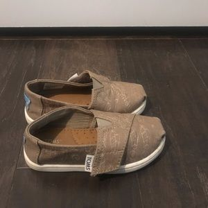 Toddler Girls Toms Size 6 Good Condition